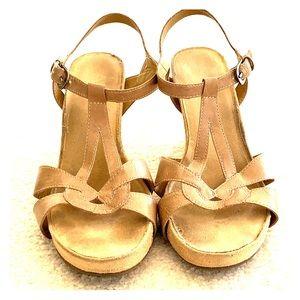 Aerosoles 3 inch heeled tan sandals